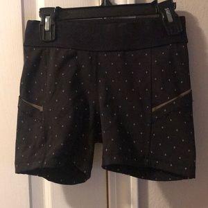 Ec lululemon tight black reflective shorts sz 2
